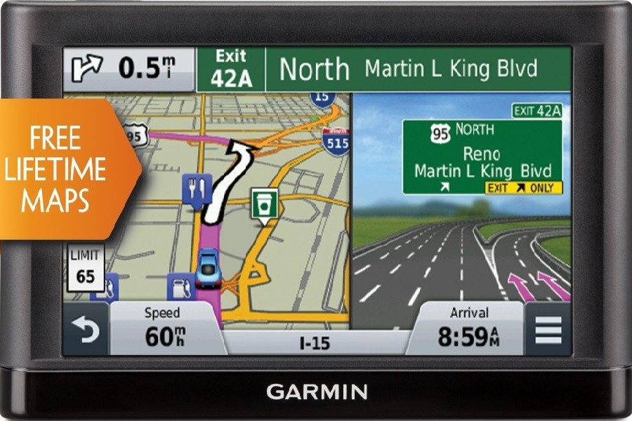Garmin GPS Display and map