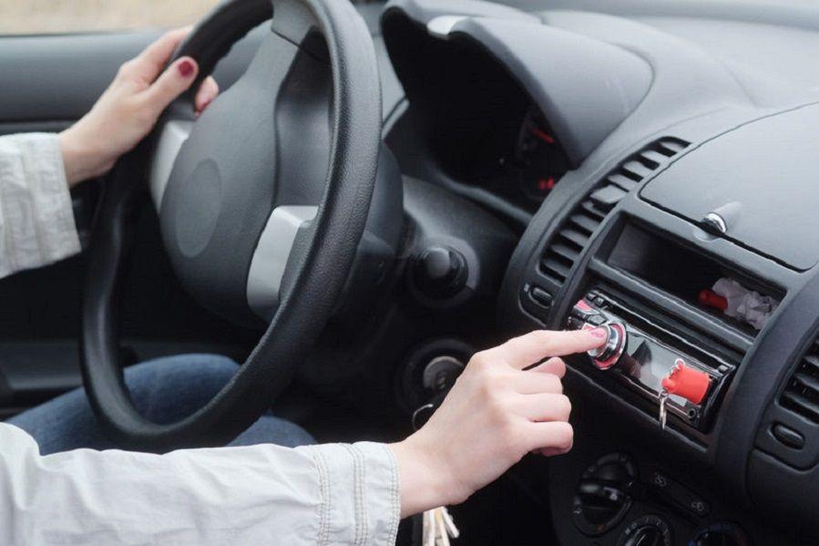 JVC KDR660 Car Stereo in Car